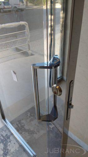 Puxador de porta em inox 2