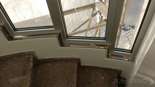 Soleira de escada em inox polido